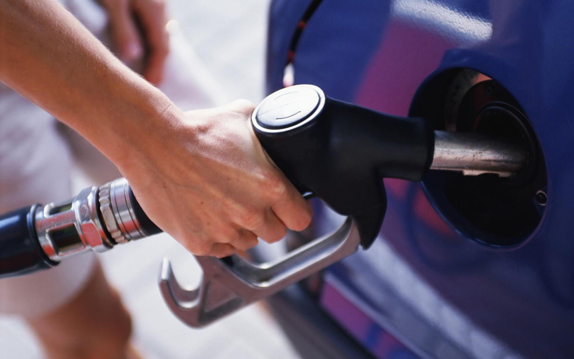 Gobierno destina 409 millones para mantener precios de todos los  combustibles • Online Punta Cana Bavaro