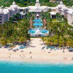 Hoteles Riu en Punta Cana reciben reconocimientos Golden Apple Awards