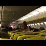 """El vídeo de un azafato parodiando """"Despacito"""" que arrasa en las redes"""